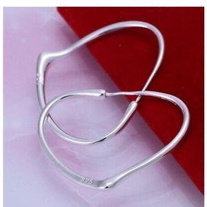 NWOT 925 STERLING SILVER HEART HOOP EARRINGS